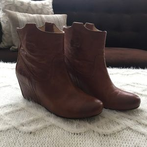 7e62e672246 Frye Carson Wedge Bootie Pebbled Cognac Leather